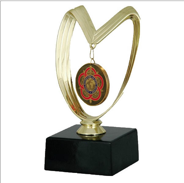 Медали спортивные fb Медаль на подставке кубки статуэтки  Медали спортивные f4190b Медаль на подставке кубки статуэтки дипломы спортивные награды