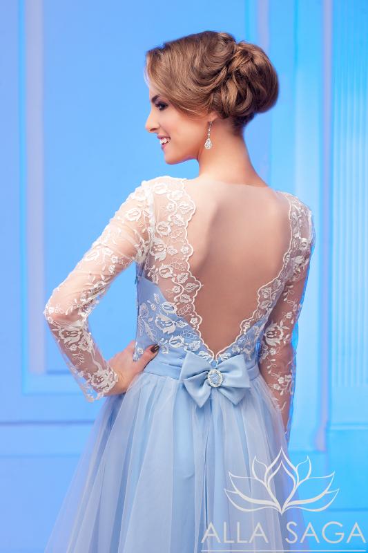 Плаття з відкритою спиною 925f12f740d4e