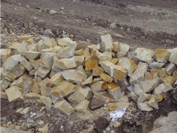 Buy Stone wall from Yampolsky sandstone. A stone rubble for finishing of walls, facing of facades and socles of buildings. Sale of sandstone across Ukraine, delivery of a rubble stone, blocks, sleb, plates from sandstone