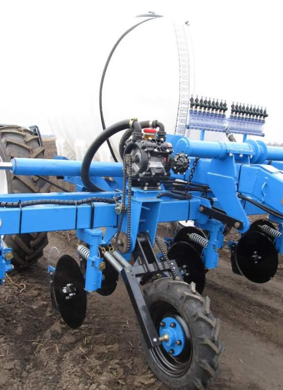 Аппликатор ПЖУ-5000-02 предназначен для сплошного внесения в почву жидких минеральных удобрений: аммиачная вода, КАС.