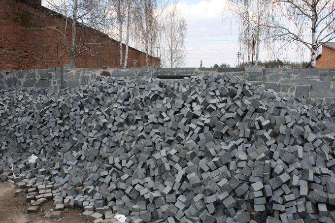 Купить Качественные и долговечные отделочные материалы из природного камня по наиболее оптимальным ценам! Материалы каменные природные строительные-доставка, укладка, установка, монтаж.