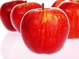 Купить Яблоки Гала - выраженный сладкий вкус с нотками груши; мякоть плотная, желтая, сочная, скалывающаяся, хрустящая, с нежной и тонкой текстурой, понравится самым придирчивым дегустаторам