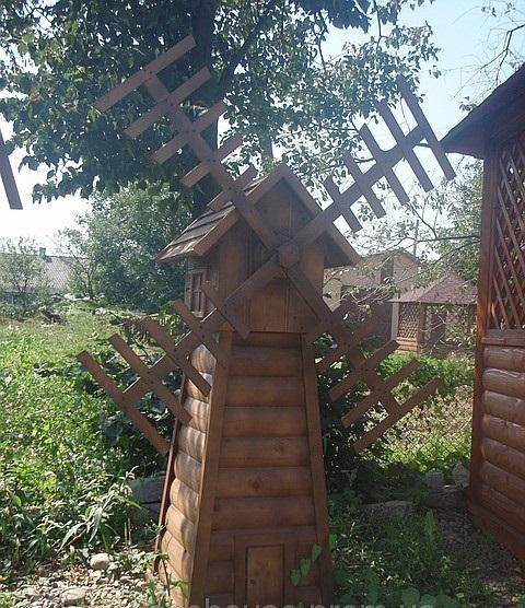 Изделия декоративные из дерева: Мельница декоративная, садовая.