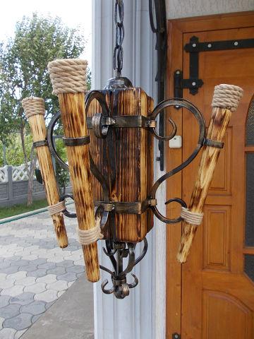 Купити Люстри дерев'яні