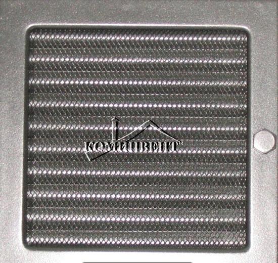 Каминные решетки для организации вентиляции внутри конструкции камина и выхода подогретого топкой воздуха внутрь помещения, покрыты качественной термостойкой краской.