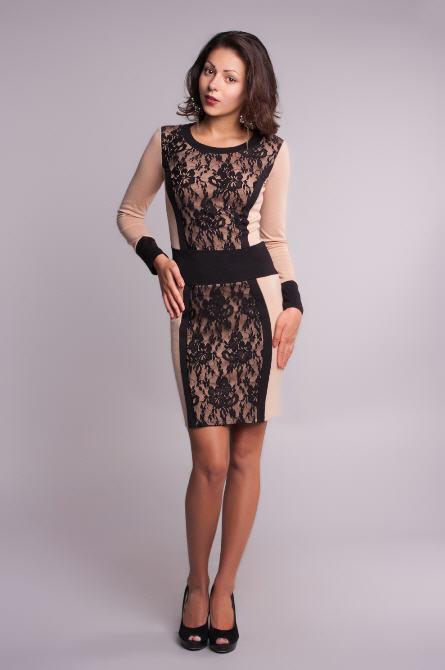 Платье из трикотажа и гипюра фото