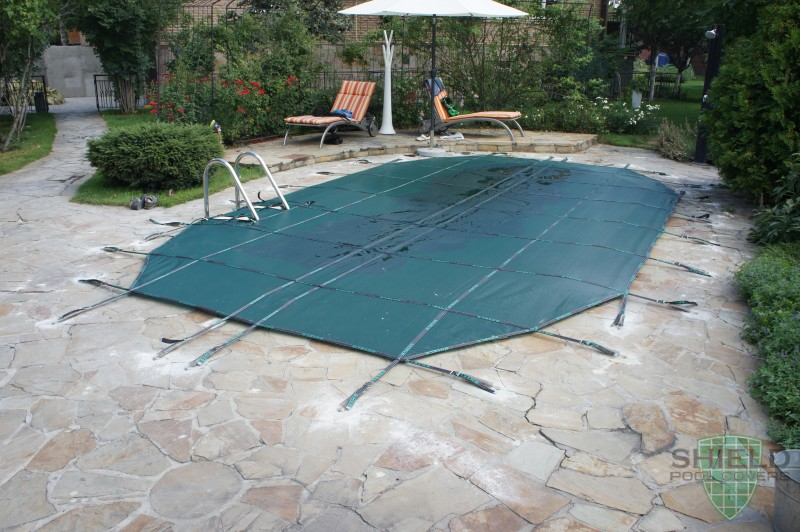 Winter pool cover for Shield