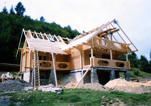 Fabrication  of wooden houses, baths, pavilions of the logs