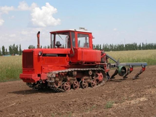 Купить Стекло ДТ-75 боковое малое <88.45.127> 693*200; Стекла для спецтехники; Запчасти для трактора ДТ -75