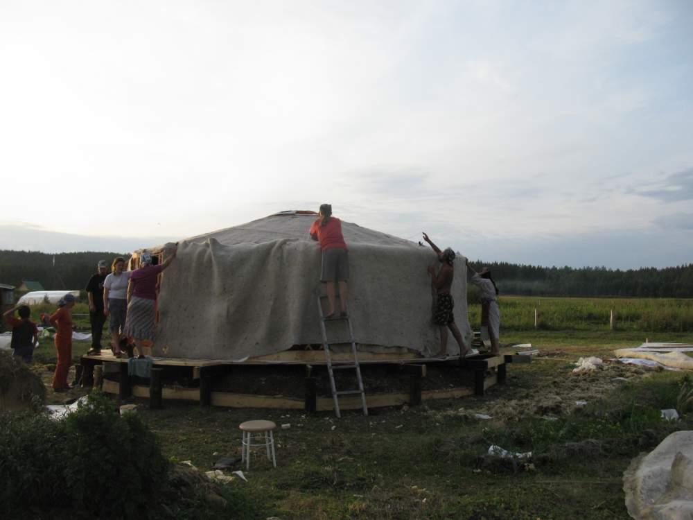 Шатровая крыша из брезента Украина