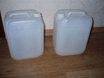 Купити Каністри із пластиков. Плакстиковая тара: каністри 10л