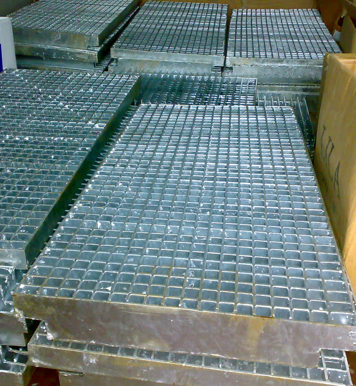 Metal grating - production