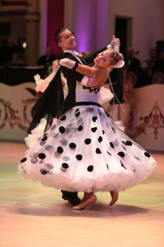 Танцевальное платье для стандарта