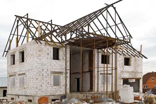 Кирпич строительный, кирпич облицовочный, кирпич силикатный, пеноблок, газоблок, шлакоблок, ракушняк, керамический блок Поротерм и многое другое для возведения стен.