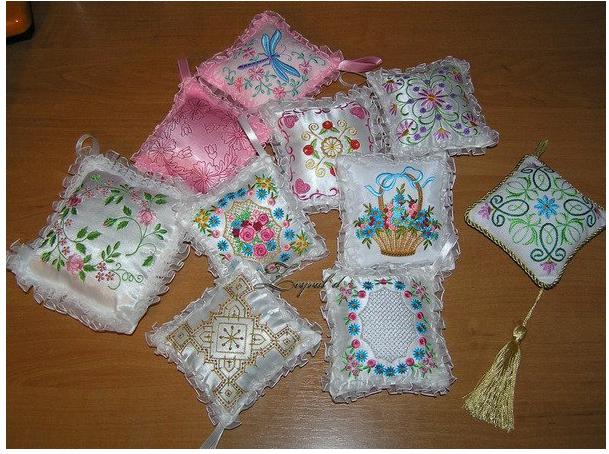 Вышивка подушечек для иголок