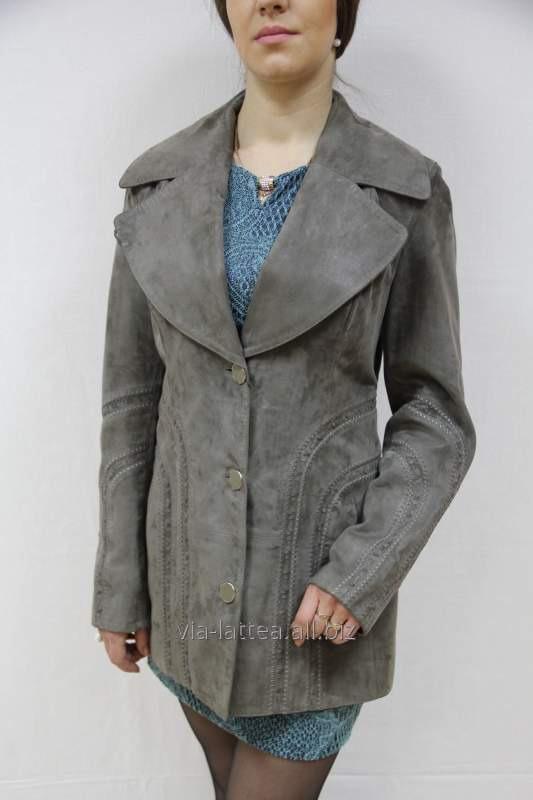 Купить Женский пиджак нубук удлиненный серый английский воротник декоративная строчка на пуговицах два кармана