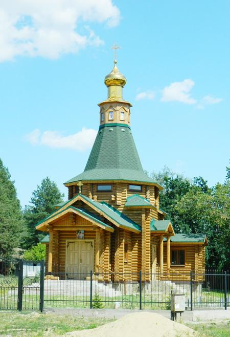 Храмы из оцилиндрованного бревна. Храмы и церкви из сруба. Деревянные храмы.