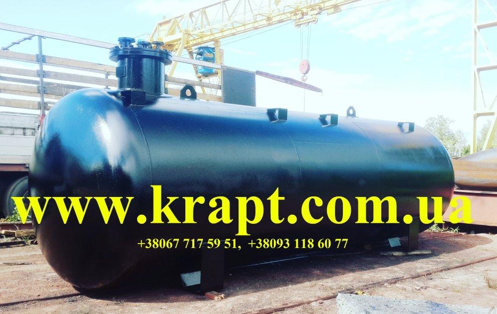 Резервуар из черного металлла 40 куб.м