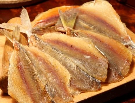 Как сделать сухую рыбу соленой