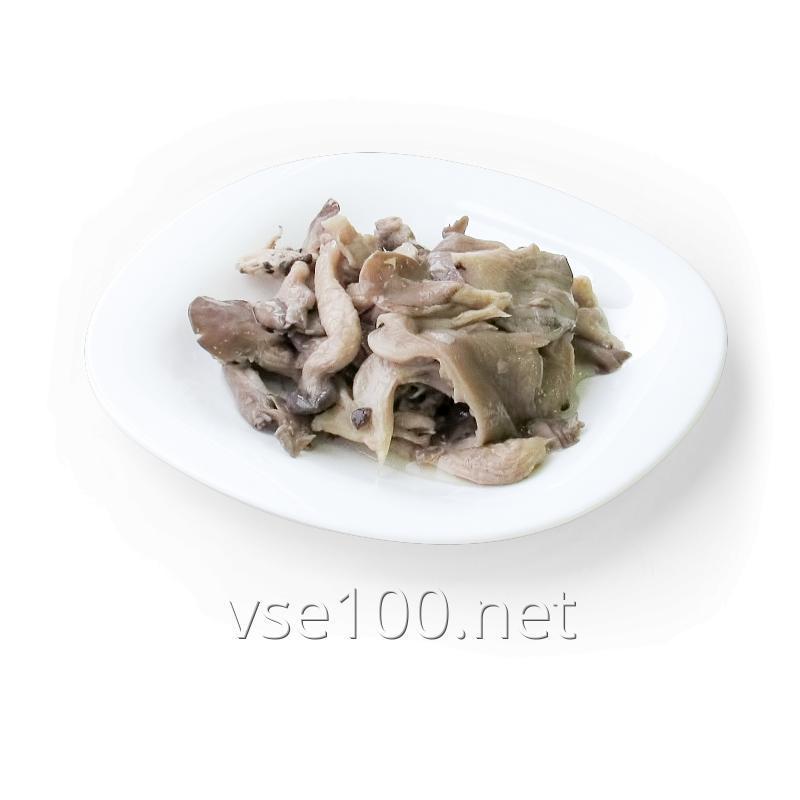 Oyster mushroom in marinade