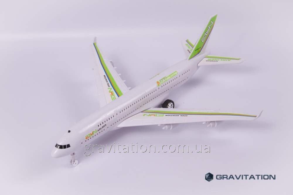 Самолет 590078