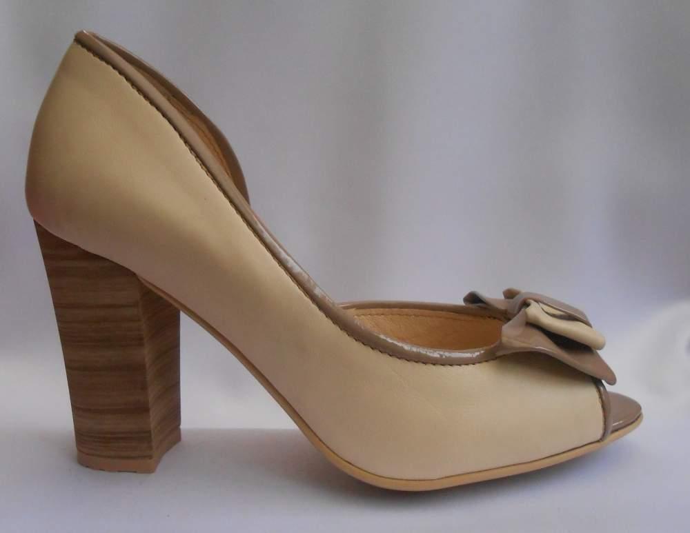 Модельні жіночі туфлі з бантиком на високому каблуці купити в ... 69a75ac248819