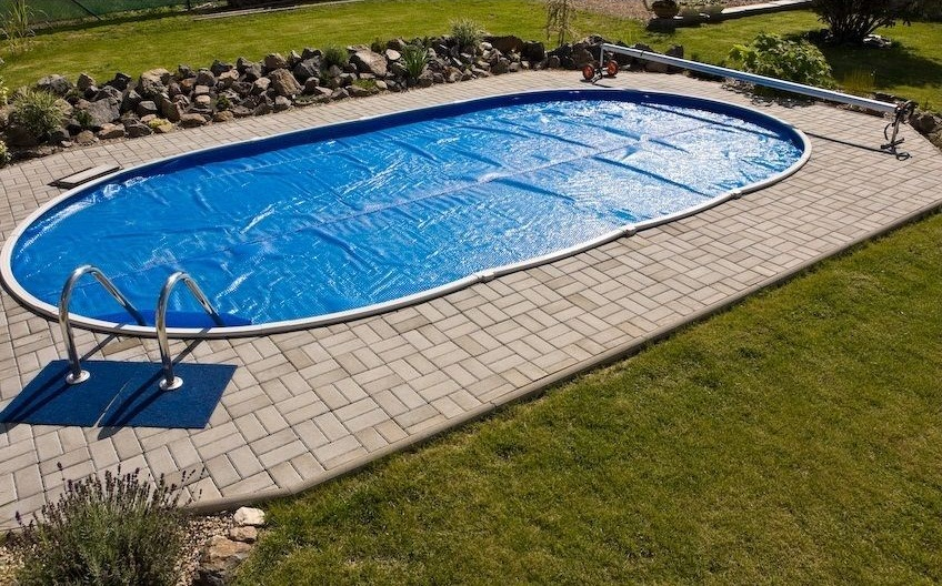 Bubble Shield cover for the pool