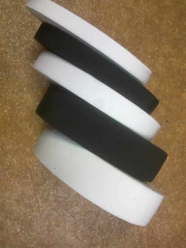 Резинка для одежды плотная 2,5 см белая