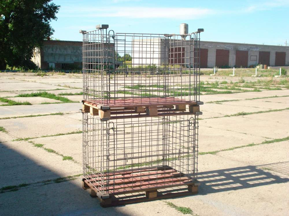 Containers for vegetable storehouses, metal, folding