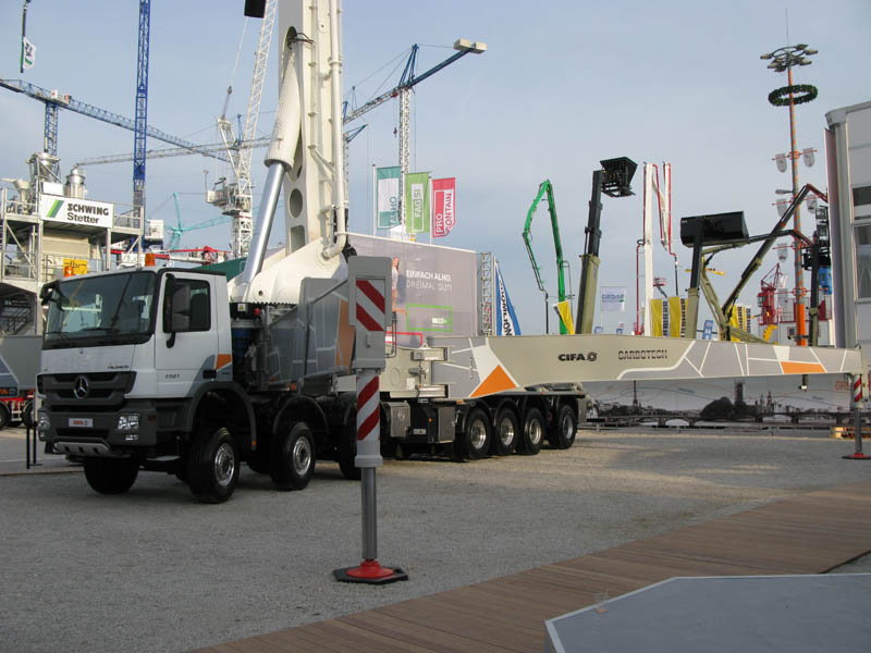 The CIFA concrete pump of the K80H RRZ model, length of arrow is 80 meters