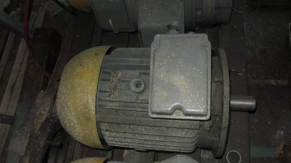 Двигатель асинхронный 4А160S4У3