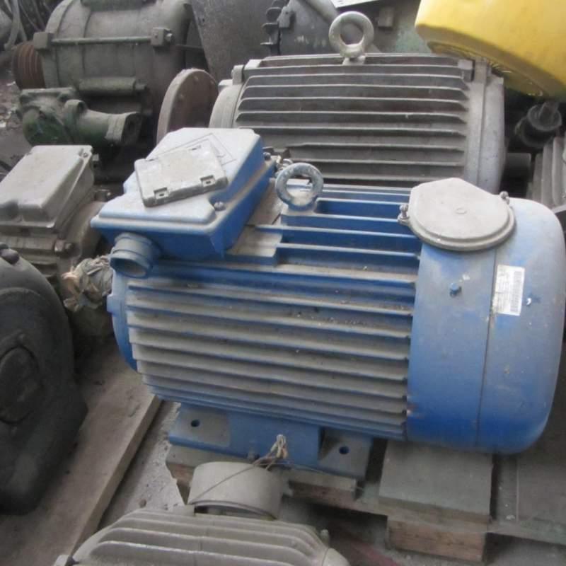 Двигатель асинхронный АД180М6У3