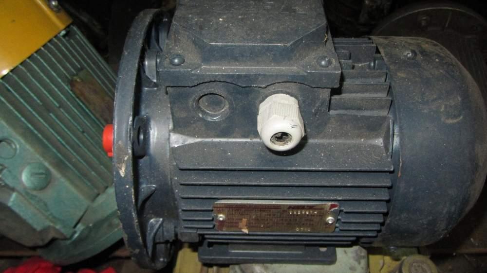 Двигатель асинхронный АИР71В6У3
