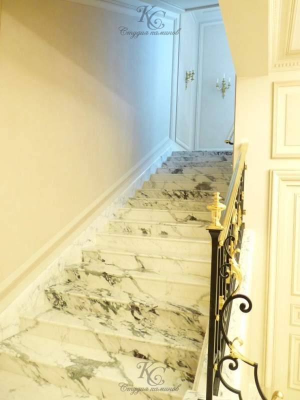 Лестницы с мрамора и гранита
