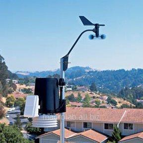 Купить Davis 6162C Метеостанция Vantage Pro2 Plus (Davis Instruments), кабельная, включая датчики солнечной радиации и солнечной активности (ультрафиолета)