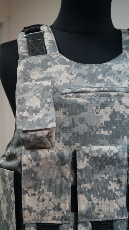 ACU 4-5 bullet-proof vest class with unloading under AKM