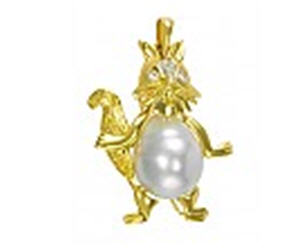 Buy Gold pendent of the 750th test with diamonds and nacre