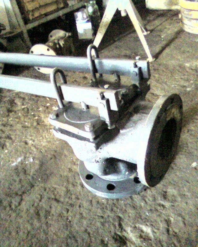 Клапан предохранительный двухрычажный фланцевый 17с5нж Ду125, Ду150 Ру25