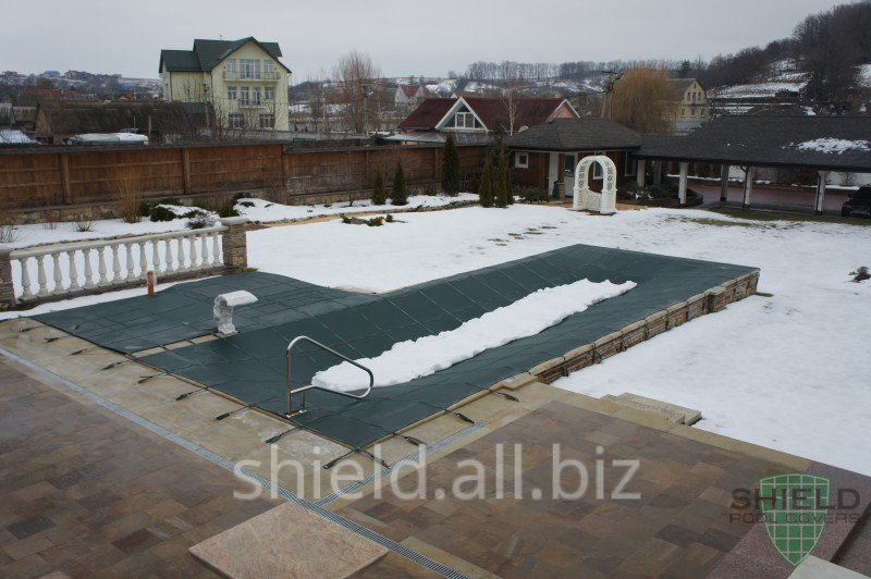 Winter Shield cover for the preservation of the pool