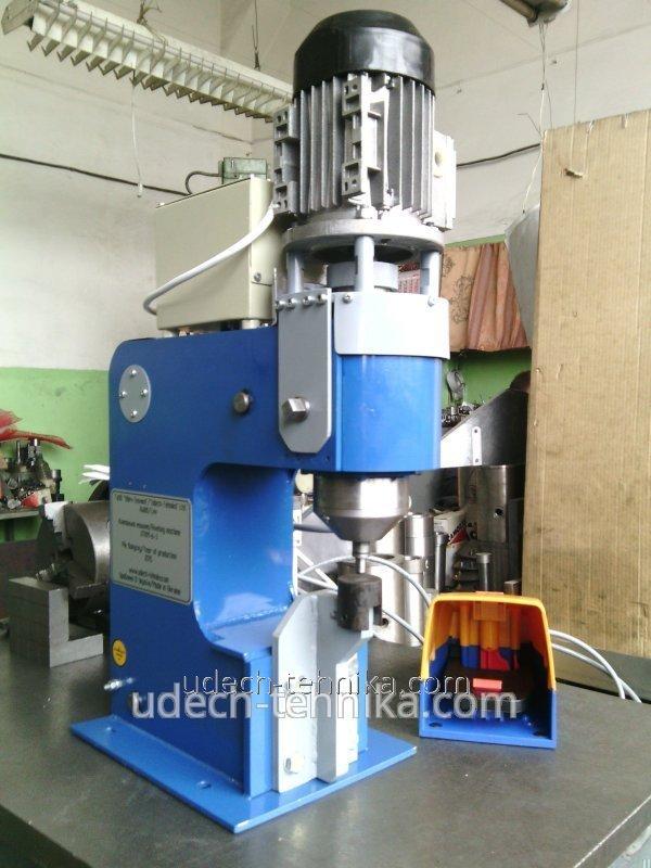 Maszyna do nitowania UTKM-6-3
