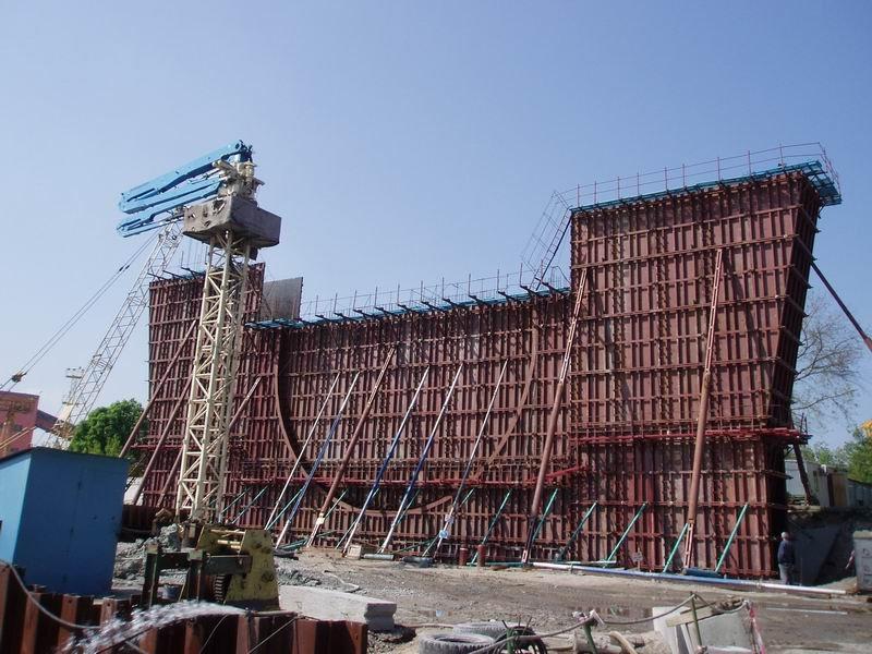 Опалубка щитовая сборная для монолитных каркасных строений (опоры мостов, путепроводов), жилых и производственных зданий и др.