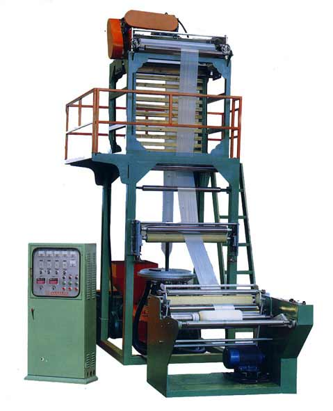 Пленочный экструдер для производства пленки полиэтиленовой.