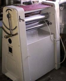 Тестораскаточная машина МНРТ 130х600 2 скор.,реверс