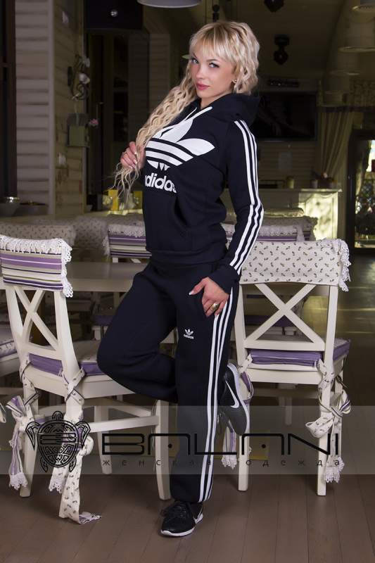 Женские спортивные костюмы Спорт костюм Adidas (715 АР)  темно-синий ... eee10e9497f