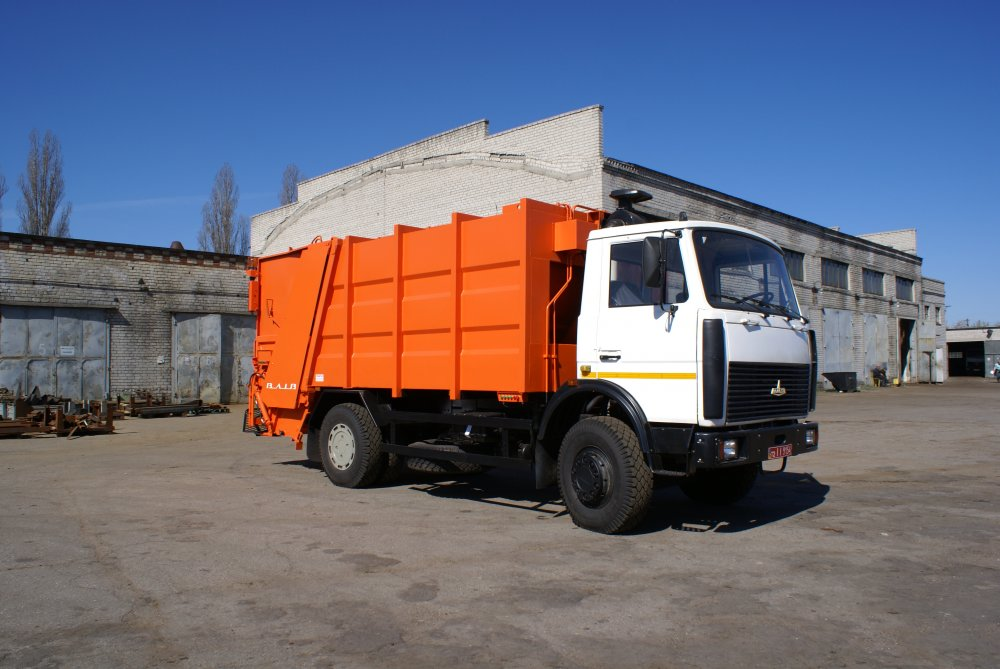Buy The garbage-disposal car HAVING POURED Medium of Back Loading (on the MAZ-5337 base)