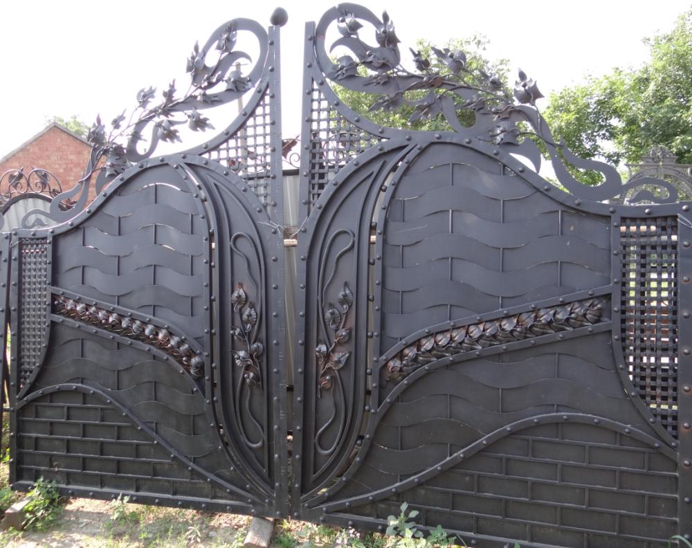 Купить Ворота для дома и дачи кованые
