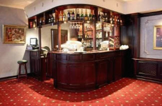 Buy Bar counters for cafe, bars, restaurants and clubs