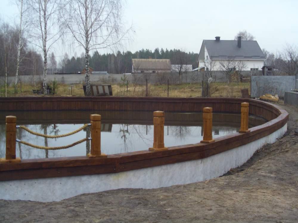 Купить Дубовые колья для укрепления берега и создания декорации вокруг водоема.Мостики, надводные беседки, лестницы для входа в воду