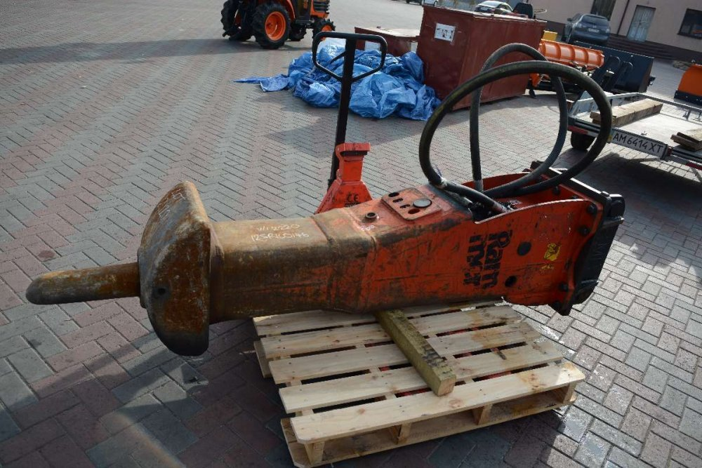 Купить Гидромолоты Rammer M14 ( 1380 кг )