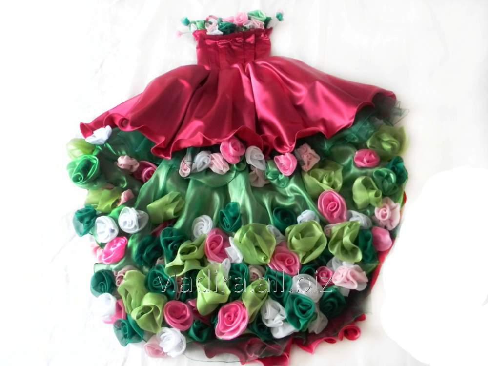 Платье сшила из цветов 375